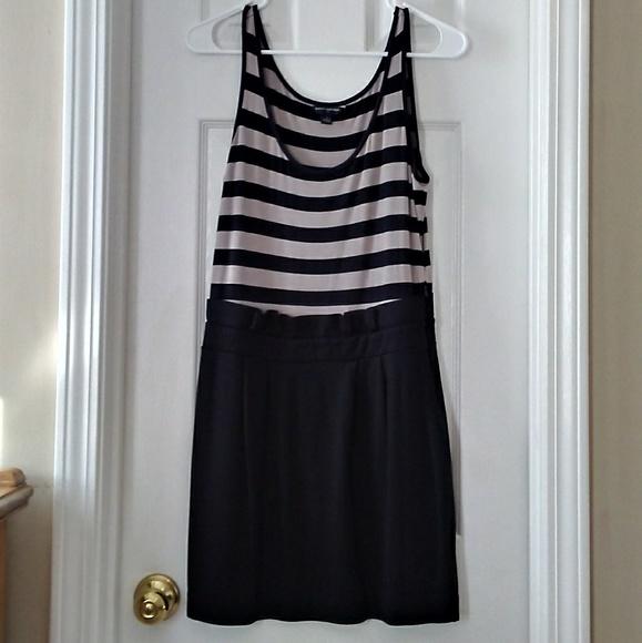 Banana Republic Dresses & Skirts - Banana Republic Sleeveless Gray Black Dress 4 S